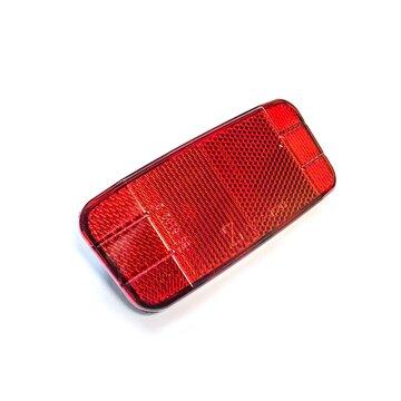 Atšvaitas raudonas prisukamas prie bagažinės 120x50mm